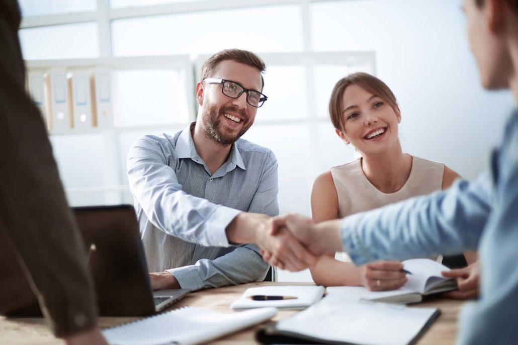 Zufriedene Kunden im Online Marketing